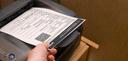 Documentos de veículos podem ser impressos em papel comum ou apresentados em aplicativo pelo celular